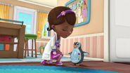 Doc-McStuffins-Season-2-Episode-25-Mirror-Mirror-on-My-Penguin--Hide-and-Eek-