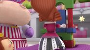 Doc-McStuffins-Season-2-Episode-22-The-Wicked-King-and-the-Mean-Queen--Take-a-Stroll-