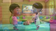 Doc-McStuffins-Season-3-Episode-9-Getting-to-the-Heart-of-Things--Toy-in-the-Sun