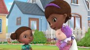 Doc-McStuffins-Season-2-Episode-24-Doc-s-Busy-Day--Wrong-Side-of-the-Law