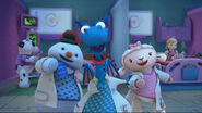 Stuffy, lambie and chilly singing