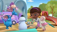 Doc McStuffins Goes McMobile Pic 019
