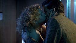 River embrasse Docteur