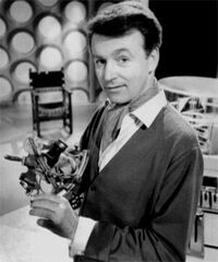 01-Ian Chesterton (William Russell)