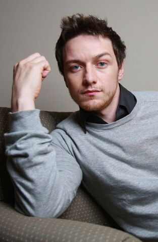 File:Photoshoots-james-mcavoy-17847129-2500-1667.jpg