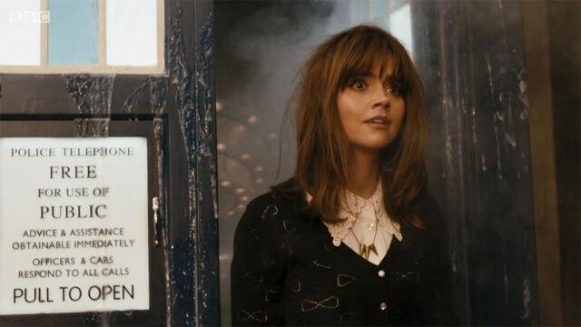 File:Doctor-Who-Deep-Breath-Clara1.jpg