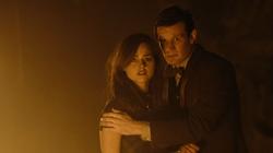 The Name of the Doctor - Clara y el Doctor viendo al Doctor Guerrero