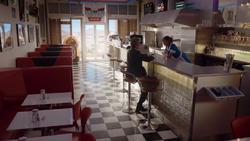 Hell Bent - El Doctor con Clara en la cafetería