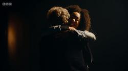 TUAT - Bill abraza al Duodécimo Doctor