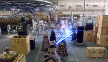 Daleks contra Cybermen en la Batalla de Canary Wharf