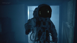 The Impossible Astronaut - 12