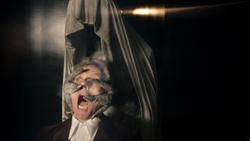 Heaven Sent - El Velo agarra al Doctor