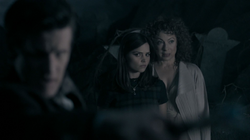 The Name of the Doctor - River habla con Clara