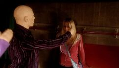Rose cornered by Autons