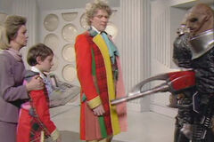 A fix with Sontarans