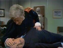 Embajador se acerca al Tercer Doctor