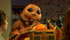 Sarah-jane-adventures-season-3-11-the-gift-slitheen