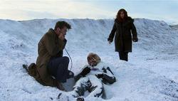 POTO - El Doctor y Donna se encuentran a un Ood