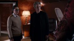 The Zygon Invasion - El Doctor con Osgood en el avión