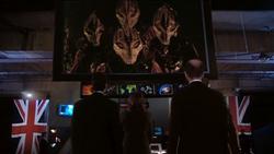 The Christmas Invasion - Transmisión alienígena en UNIT