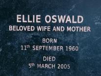 Надгробная плита Элли