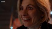 TUAT - La Doctora contempla su nuevo rostro