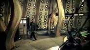 The Trip of a Lifetime with the Ninth Doctor - Series 1 TV Trail - Doctor Who - BBC.mp4 snapshot 00.15 -2015.10.16 18.15.40-