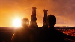 THRS - River y el Doctor observan las Torres Cantantes de Darillium