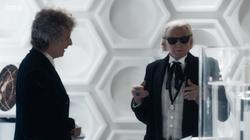 TUAT - El Duodécimo Doctor hace al Primer Doctor usar sus gafas