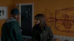 Rigsy y Clara en la vivienda - Flatline