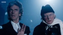 TUAT - Duodécimo y Primer Doctor viendo a un Testimonio