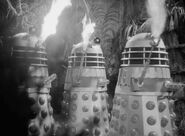 Doctor.Who.Classic.s03e04b(92)-Day.of.Armageddon.DVDRip.Rus-Eng.BaibaKo.tv-10-07-29-