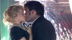 VOTD - El Doctor y Astrid se besan