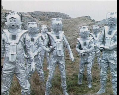 Cyber Leader and Cybermen
