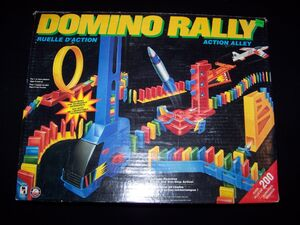 Domino rally action alley1