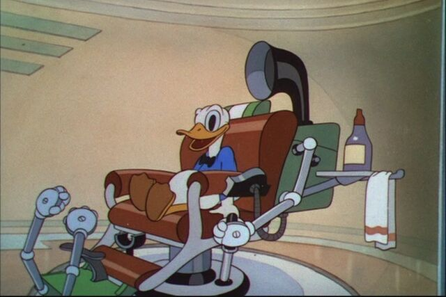 File:Donald Duck Modern Inventions 132.jpg