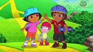 Dora.the.Explorer.S08E08.Doras.Great.Roller.Skate.Adventure.WEBRip.x264.AAC.mp4 000936635