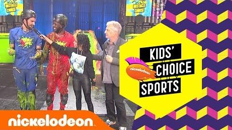 Michael Phelps Takes on Chris Paul in a Double Dare Race w Liza Koshy 🚩 KCS Awards 2018 Nick