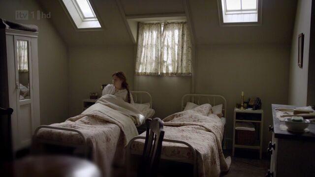 File:Servants quarters shared female bedroom.jpg