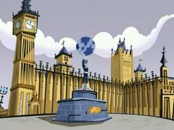 S03M04 London Phantom statue