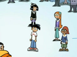 S03M04 Danny surrounded by friends