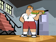 S02e13 Tetslaff with sandwich1