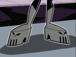 S01e11 Ember feet closeup