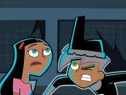 S02e02 Paulina and Danny with One Eye