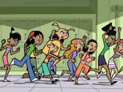 S02e14 girls running after Dash 2
