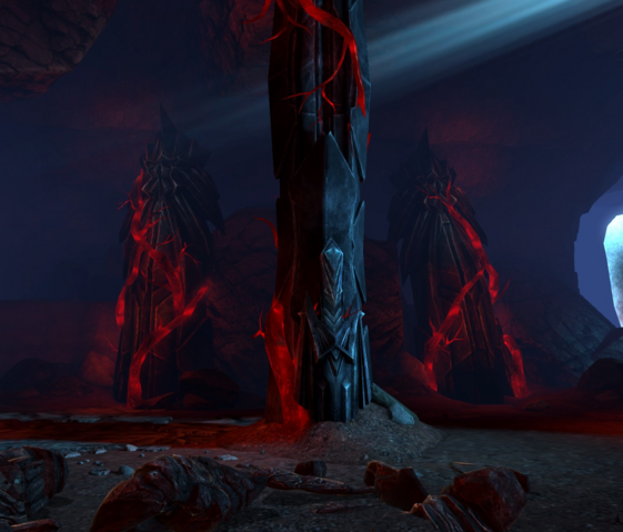 File:Statues in the Primeval Thaig.png