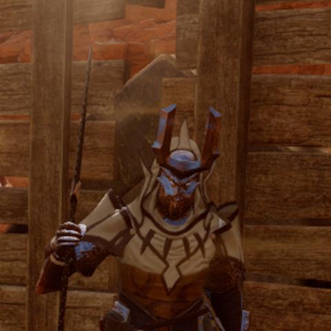 Servis mit seiner Maske in den Westgraten