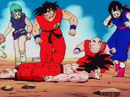 EP148DB Todos auxilian a un Goku a punto de morir