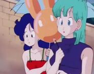 DB Bulma y Lunch anonadadas