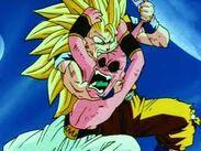 Goku muerde
